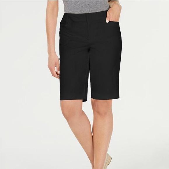 Dana Buchman Pants - Dana Buchman Classic Black Shorts